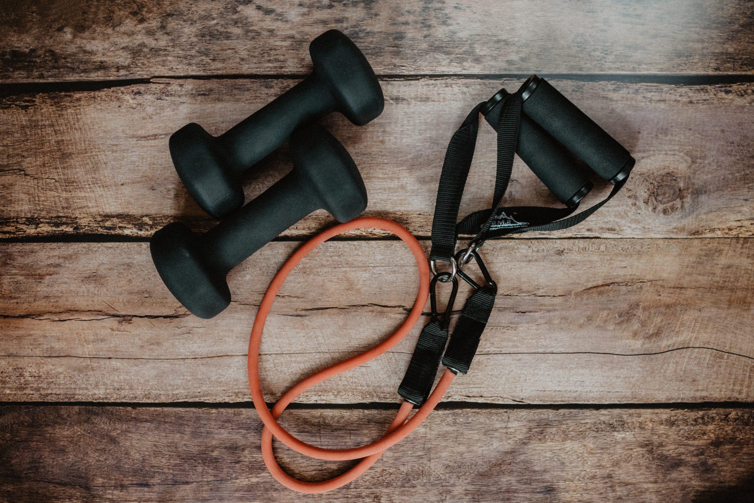 Daleko do siłowni - jak trenować w domowym zaciszu
